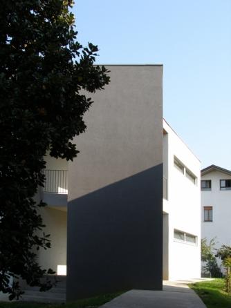 http://fabriziobertocchi.it/files/gimgs/th-19_4_PUBBLICI_1-FOTO-B.jpg