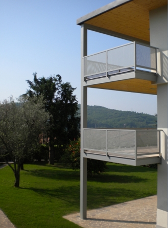 http://fabriziobertocchi.it/files/gimgs/th-33_4_PRIVATI_1-FOTO-C.jpg